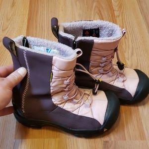 Keen women's warm snow boots 6.5- EU 37